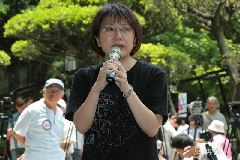 社民黨立委參選人范雲到場聲援反課綱學生。(余志偉攝)