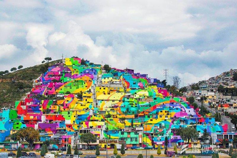 繽紛的色彩為貧困破舊的村落帶來了新生命(圖/Germen Nuevo Muralismo Mexicano@flickr)