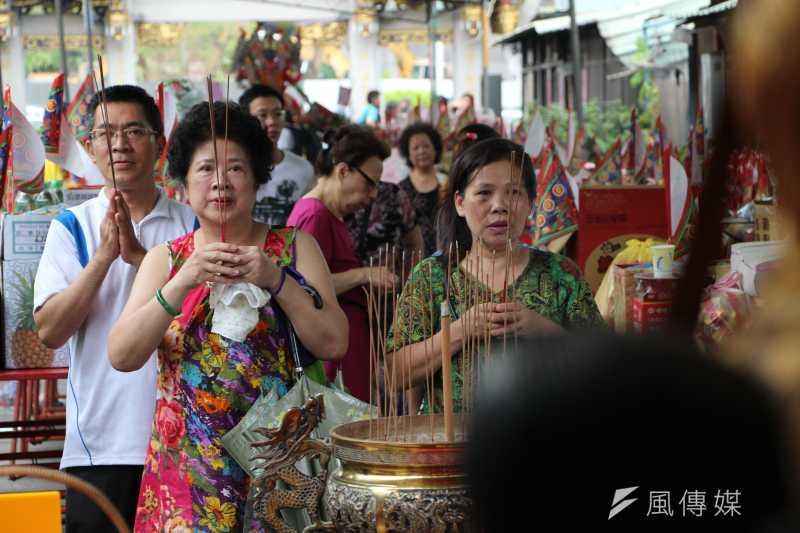 農曆7月中元普渡(葉信菉攝)