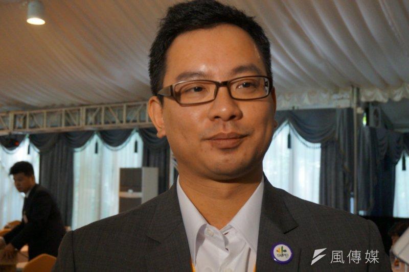 台北─上海雙城論壇中,悠遊卡公司董事長戴季全表示,悠遊卡受限於兩岸法規的限制,目前無法「登陸」。(王彥喬攝)