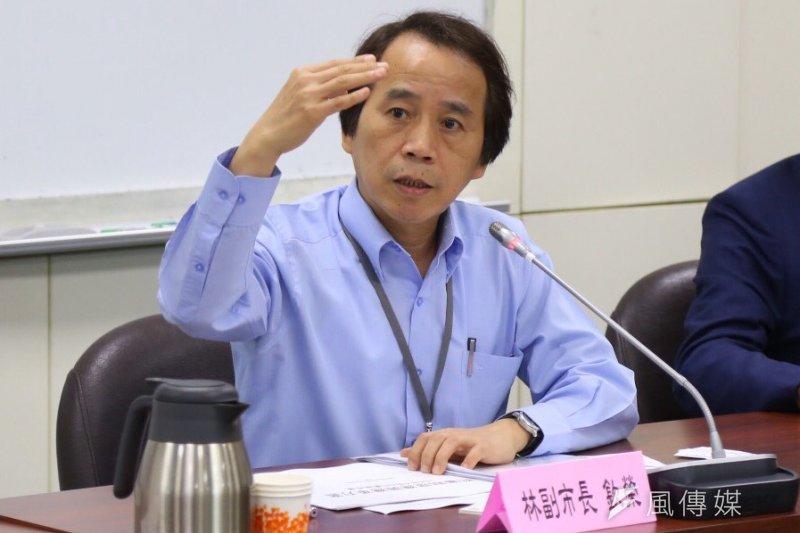 台北市副市長林欽榮與建築師工會都審制度改革。(蔡耀徵)