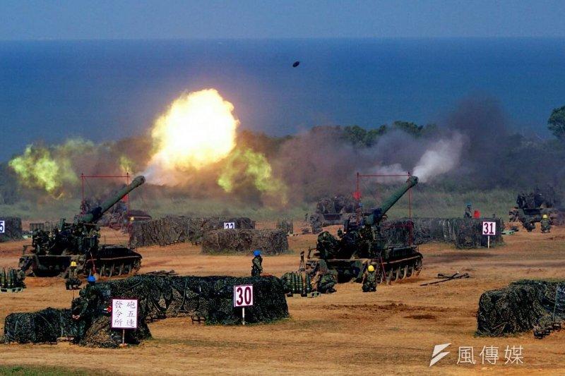 「漢光32號」軍演22日起登場,首日將立即展開基地防衛作戰和網路攻防的實兵操演。圖為去年漢光演習。(資料照,蘇仲泓攝)
