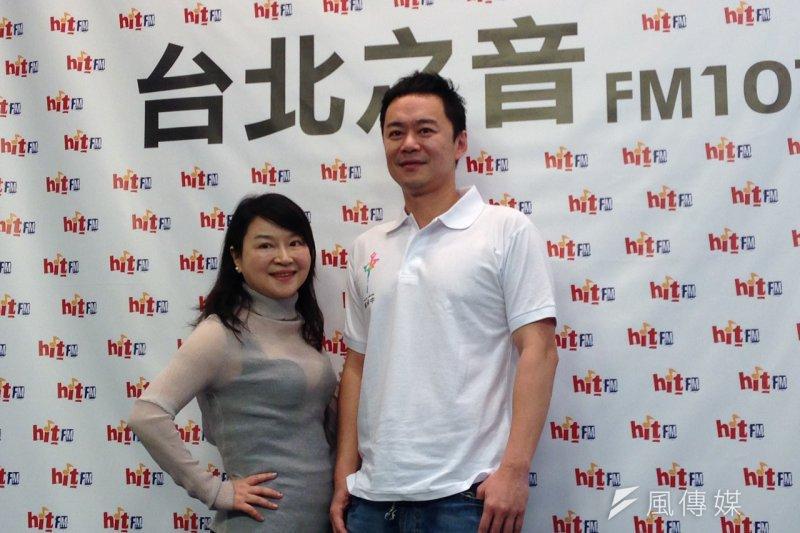已宣布投入信義區參選的張承中今日上午接受台北之音「蔻蔻早餐」節目專訪。(羅暐智攝)