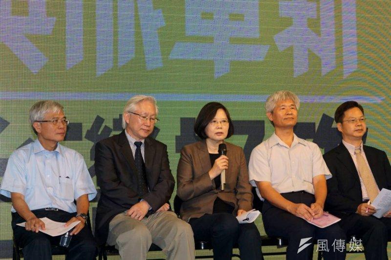 作者認為,比起發展沒有產業核心競爭力的產業政策,台灣還是回到電子供應鏈比較務實。(蘇仲泓攝)