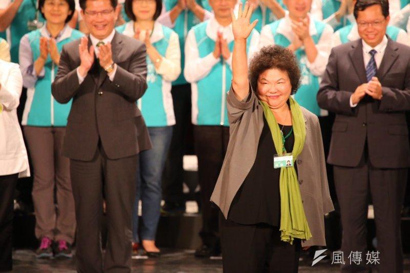 國民黨立委蔡正元批高雄市長買了數百張小英餐券賄選,陳菊表示,這是競選後援會一張一張去推,不是她買的。(圖為陳菊出席民進黨全代會,蔡耀徵攝)