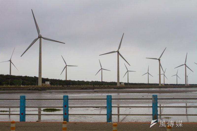 依能源局規劃,到2030年時,風力發電將由目前64萬瓩增為520萬瓩,但整體規劃中,看不出有可能達到減碳50%的可能。(呂紹煒攝)