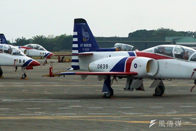 空軍司令部證實,空軍官校1架編號0851的AT-3教練機,於今天中午11點50分從岡山機場起飛執行訓練任務,但半小時後在雷達幕上失聯。(資料照片,蘇仲泓攝)