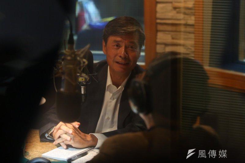 總統府資政金溥聰23日接受飛碟電台受訪。(蔡耀徵攝)