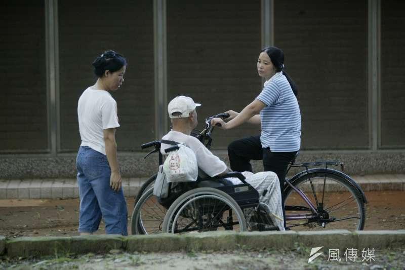 台灣外籍看護79%來自印尼,但印尼政府預計在2019年實現「零國際幫傭計畫」,恐影響我國的長照計畫。(資料照,余志偉攝)