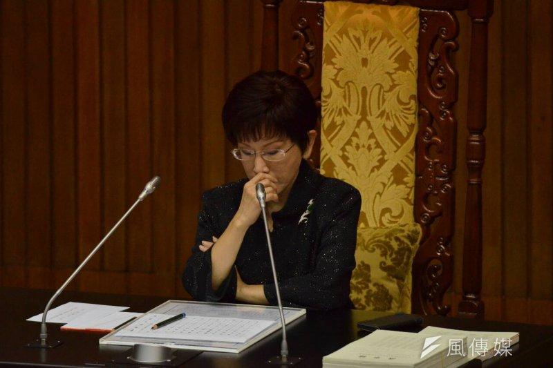 國民黨換柱前夕,立法院副院長洪秀柱仍主持立院院會。(陳明仁攝)