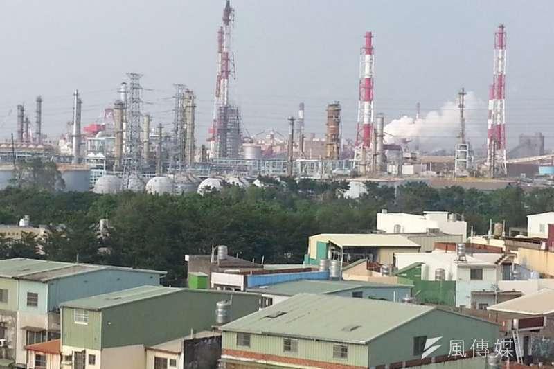 )高雄小港大林蒲三面已被污染包圍,居民要求舊污染要改善、新污染不要增加。(朱淑娟攝)