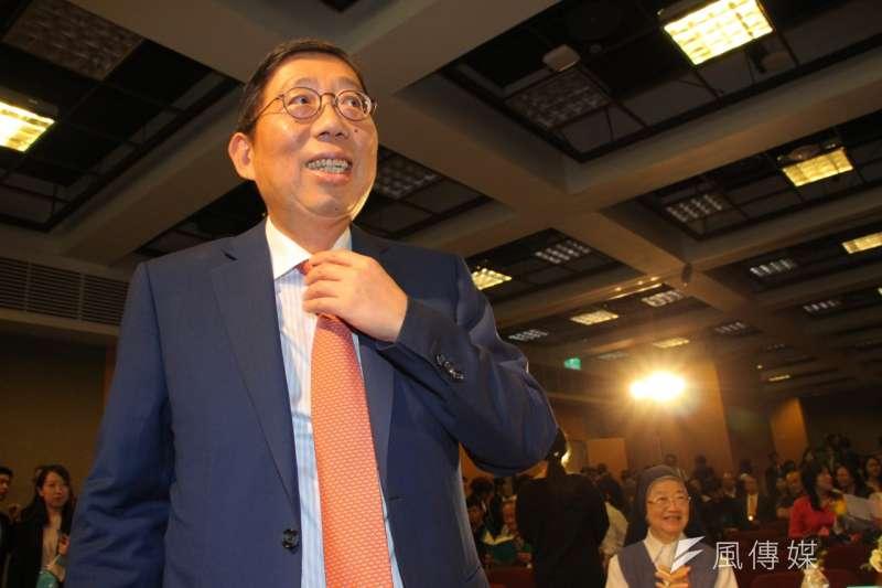 第一屆「蔡萬才台灣貢獻獎」28日舉行頒獎典禮,富邦蔡明興。(葉信菉攝)