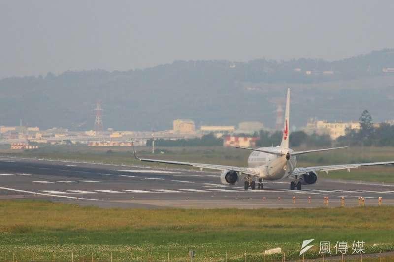 民航局宣布,26日起配合美國規定,旅客辦理報到及登機時,航空公司都要詢問保安相關問題。(資料照,方炳超攝)