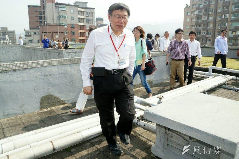 行動派出所才4個月就喊卡,台北市長柯文哲說這是「勇於修正」。(蘇仲泓攝)