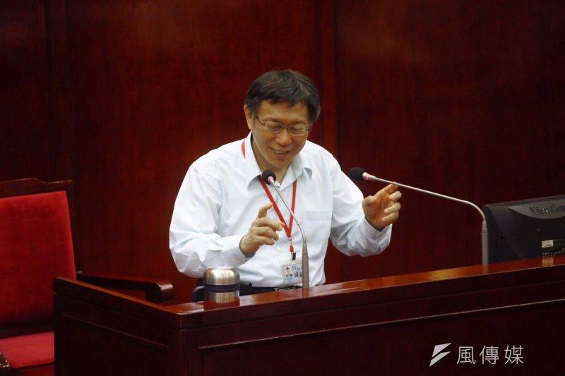 台北市長柯文哲到市議會備詢。(蔡耀徵攝)