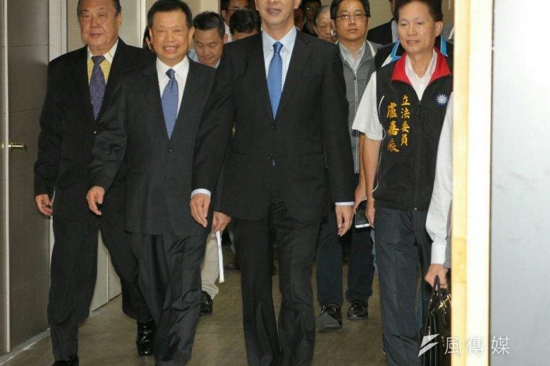國民黨總統參選人朱立倫出席全國工商後援會。(葉信菉攝)