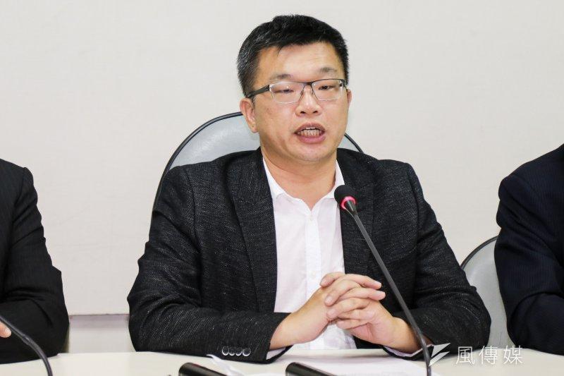 民進黨團幹事長蔡其昌表示,現在國民黨是執政黨,「能不能過,國民黨完全執政,要完全負責!」(陳明仁攝)