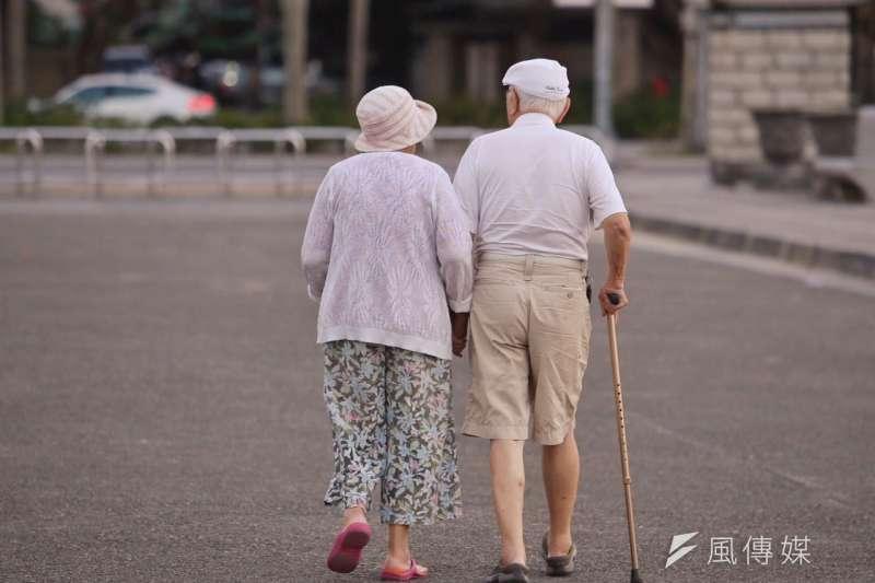 「長期照顧服務法」雖被列為不具爭議而可先行送審的法案之一,但事實上各界對於長服法的各項主張至今仍不同調。(資料照,林韶安攝)