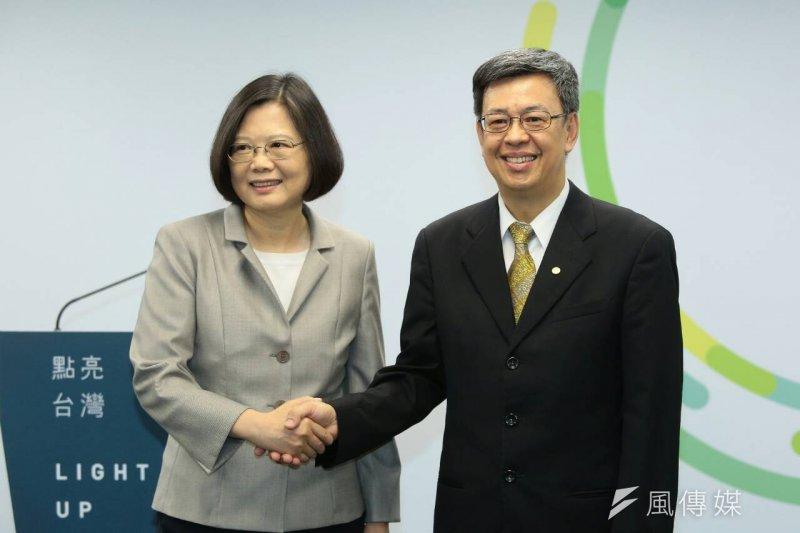 民進黨總統參選人蔡英文公布副手人選陳建仁。(顏麟宇攝)