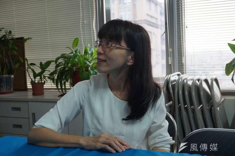 04-崔媽媽社會發展處居住服務部主任馮麗芳-風數據-社會住宅專訪-王彥喬攝.JPG