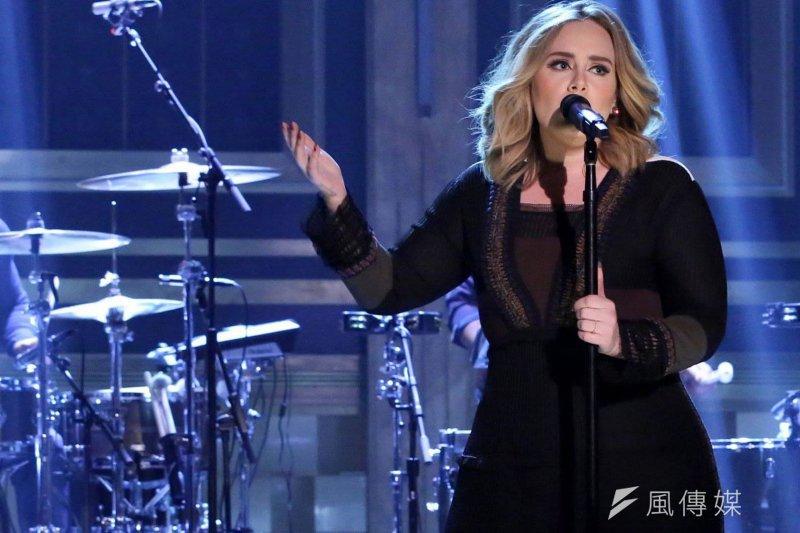 有沒有哪首歌,讓你想不透為什麼能登上唱銷排行榜?(圖/Adele粉絲頁)