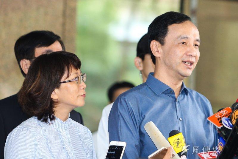 國民黨總統副總統候選人朱立倫和王如玄登記(陳明仁攝)