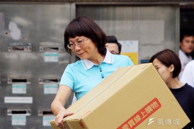 國民黨副總統參選人王如玄搬離職務宿舍。(曾原信攝)