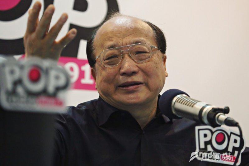 胡志強7日接受廣播節目專訪。(蔡耀徵攝)