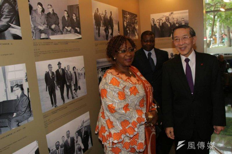 外交部長林永樂出席楊西崑大使紀念展。(葉信菉攝)