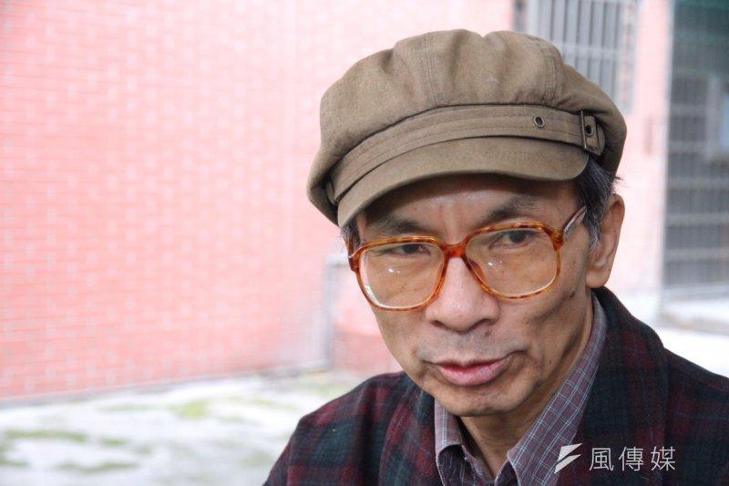 人民民主陣線立委候選人鄭村棋表示,政黨輪替只是換湯不換藥是無救的,「台灣社會就是湯跟藥要一起換」。(曾原信攝)