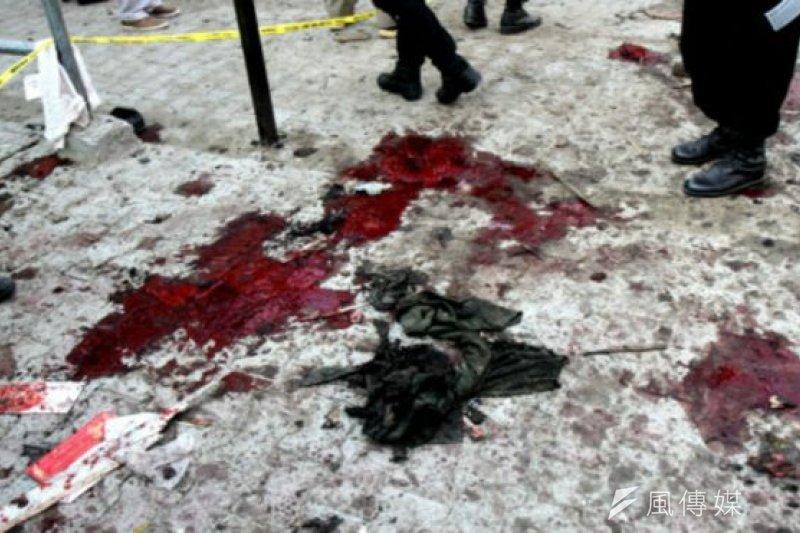 星期二(12月29日)的攻擊發生在一座政府辦公大樓的外面。(BBC中文網)