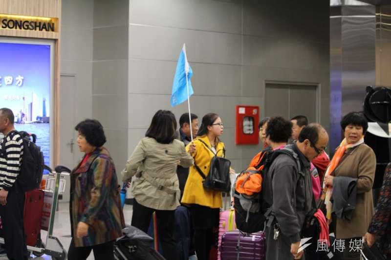 20160318-松山機場陸客,中國旅行團。(方炳超攝)
