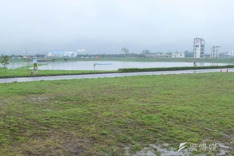 經濟部水利署在「流域綜合治理計畫」中將興建32座滯洪池,但截至2018年底,僅完成8座。圖為滯洪池示意圖。(資料照,顏麟宇攝)