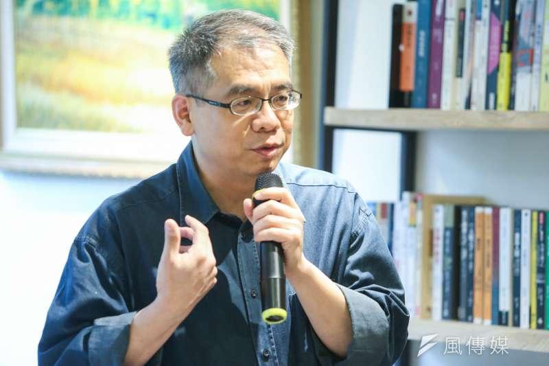 作家楊照(見圖)感嘆,過去眾聲喧嘩的民進黨已變成一言堂,且「出征」已成為某種「台灣特色」;但相信終有一日執政黨會有官員按耐不住、想說真話。(資料照,陳明仁攝)