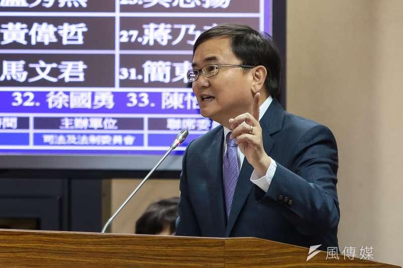 民進黨立委劉櫂豪18日於立院司法法制委員會質詢。(顏麟宇攝)
