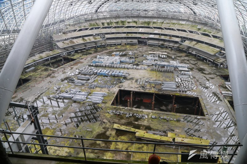 20160428-大巨蛋工地因市議員考察首次開放.一樓假地板拆除就是棒球場(陳明仁攝)