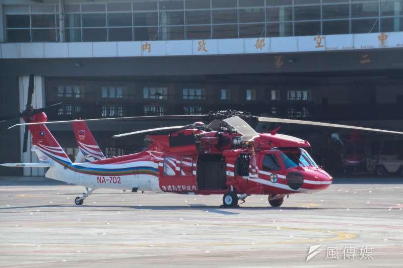 一架黑鷹直升機5日深夜執勤時失聯,空勤總隊目前仍有8架黑鷹直升機,將全面停飛實施特檢後再飛。(資料照,王德為攝)
