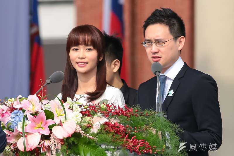 第十四任總統、副總統就職大典司儀陳明珠、口譯哥趙怡翔。(顏麟宇攝)