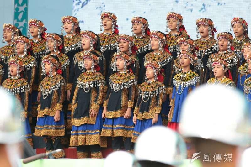 在五二0典禮上領唱國歌的排灣族小朋友合唱團Puzangalan Choir,近日傳出原訂受邀於7月20日赴中國廣州合唱節的表演,遭到對岸主辦方取消。(資料照,顏麟宇攝)