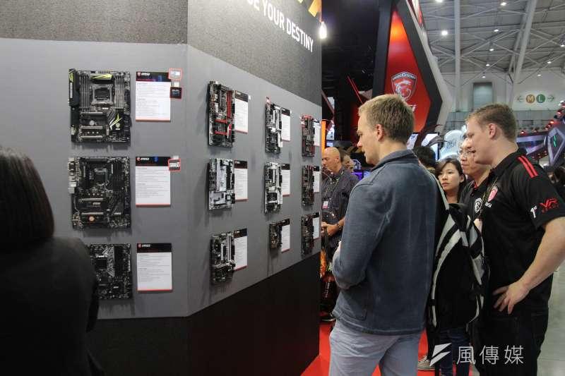 中國競爭力排名超越台灣引發議論 ;圖為台北國際電腦展 。(王德為攝)