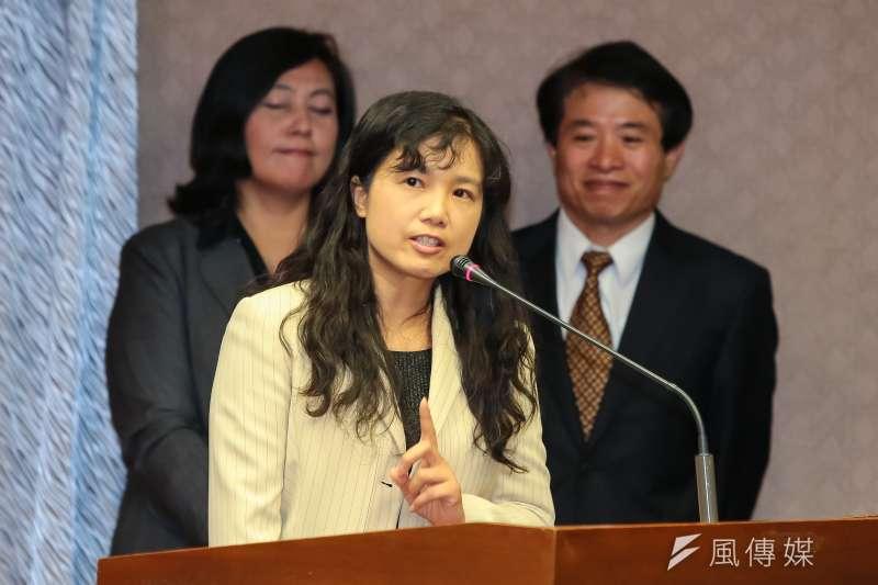 NCC委員被提名人洪貞玲1日出席交通委員會備詢。(顏麟宇攝)