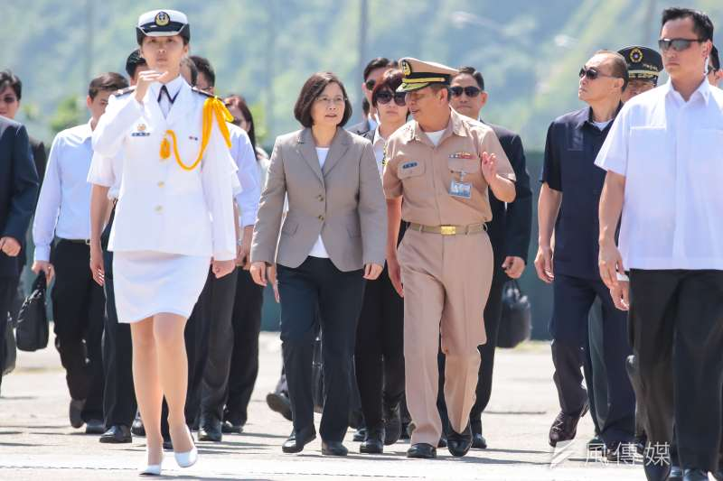根據台灣指標民調,有43.6%的民眾表示滿意蔡英文在國防安全的表現,37.2%表示不滿意。(資料照,顏麟宇攝)
