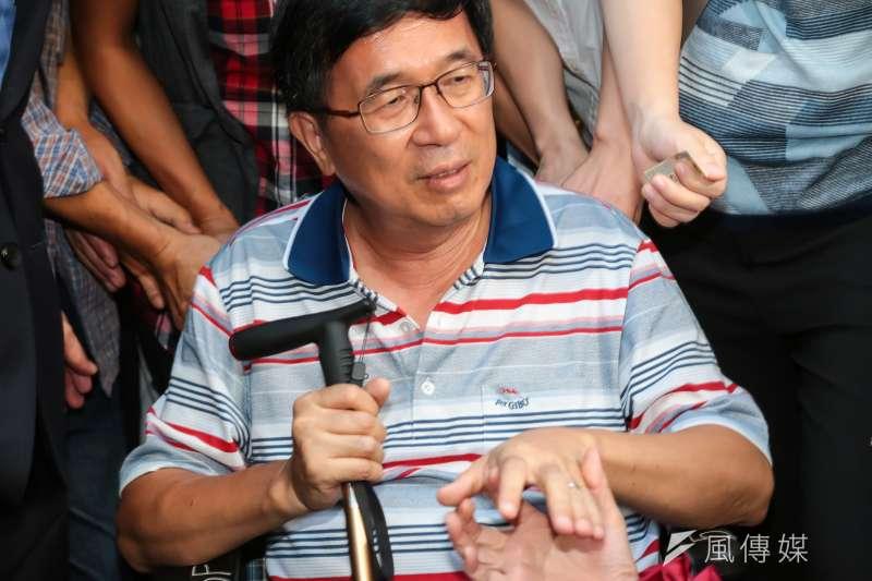 作者表示,對照馬英九和陳水扁兩位前後任總統的待遇,儼然兩套標準,是民主政治的悲哀。圖為前總統陳水扁。(資料照,顏麟宇攝)