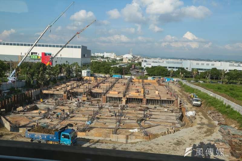 南部科學工業園區(南科)正在興建的廠房。(顏麟宇攝)