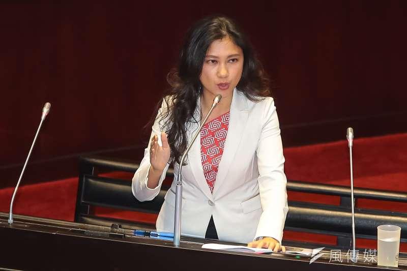 民進黨立委Kolas Yotaka谷辣斯‧尤達卡21日於立院質詢。(顏麟宇攝)