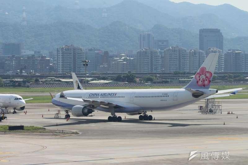 20160624-華航空服員罷工-飛機停在機坪。(方炳超攝)
