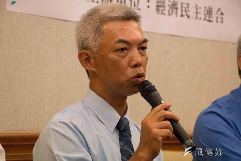 三一八運動結餘款捐贈法扶記者會,義務律師團代表尤伯祥-甘岱民攝