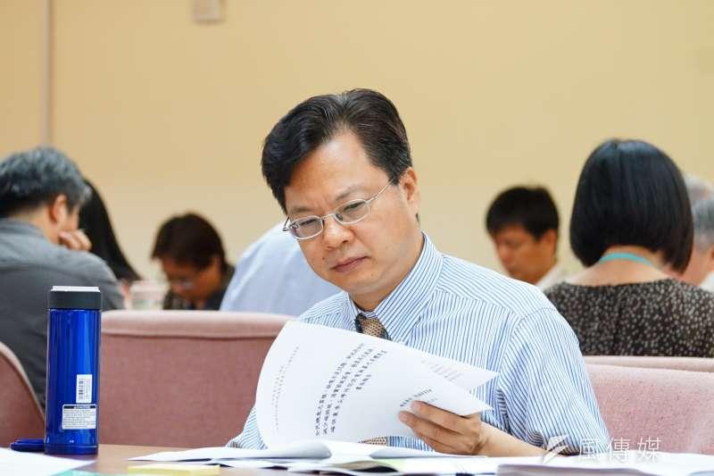 國發會副主委龔明鑫表示,自己的專長在政策研究,希望留給新主委用人空間,將辭去國發會副主委職位,離開國發會後將返台經院。(資料照,盧逸峰攝)
