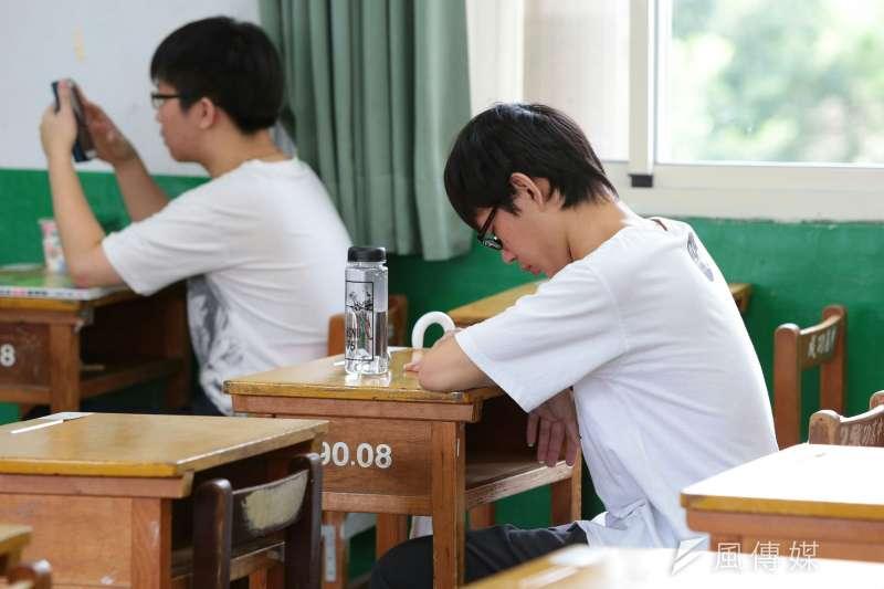 國立台灣大學系統3校擬於12月底結束學期。大學招聯會執行秘書戴念華表示,從放榜到開學至少要3周,目前規劃勢必不可行。示意圖,非新聞當事人。(資料照,顏麟宇攝)