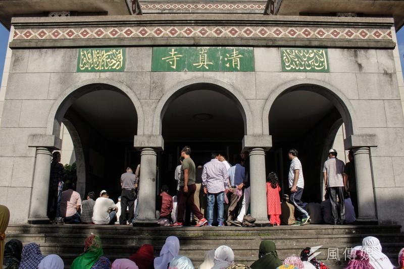 2016-07-06-柯文哲出席台北清真寺開齋節05-甘岱民攝